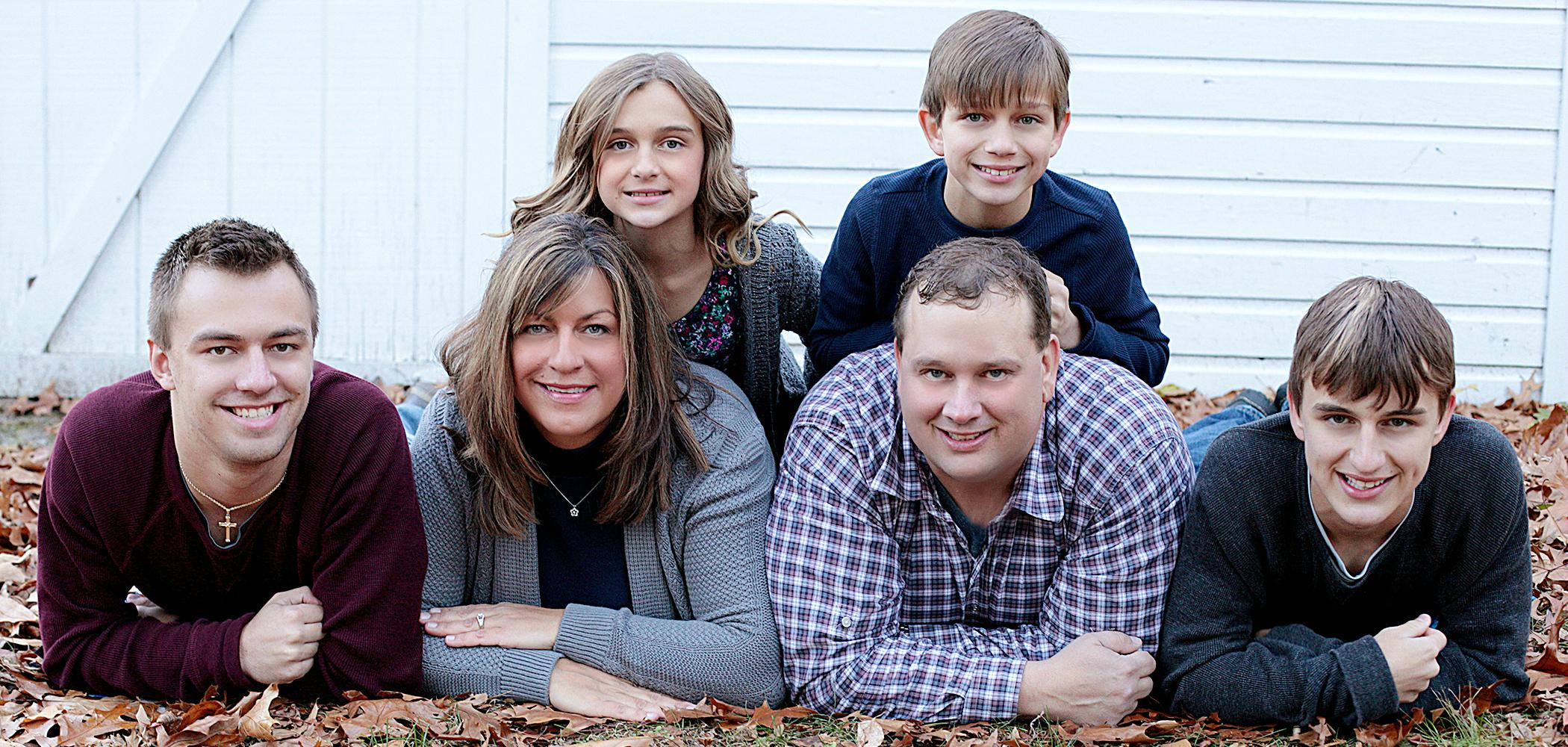 Our Familys Nest Famheader